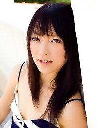 Brunette japan idol Nazuna Otoi get naked and shows her beauty bOdy