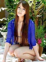 Beautiful and lovable Japanese av idol Jessica Kizaki shows her amazing body in the tropical islands