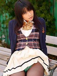 Gorgeous gravure idol school girl shows off her green panties