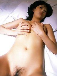 Japanese busty babe Sasa Handa take shower