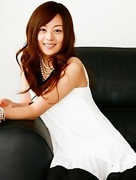 Jun Natsukawa looks adorbale in her short black and white dress