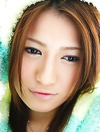 Reina Fujii is the filthiest expert in striptease and solo