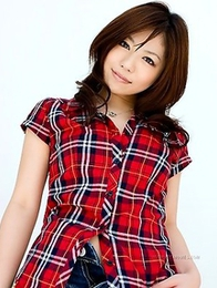 Elegance, this is what you will get from Momoka Matsushita