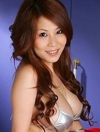 Busty babe Yuki Aida posing naked