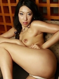 Sexy Ozawa Chris is posing topless