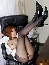 Japanese office girl Yuna Hirose