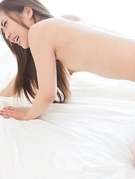 Heels-wearing masseuse Juri Kisaragi gets banged by her horny client