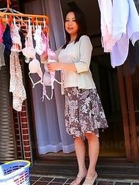 Nanako Misaki displays her vagina