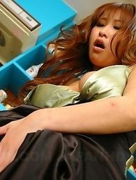 Hot girl Yuki Maya toying her twat