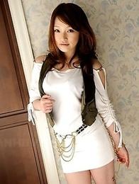 Beautiful brunette Kurara Iijima