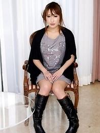 Hot lady Yuki Maya loves posing