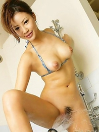 Get into the gallery full of awesome pics of sexy Kaera Uehara