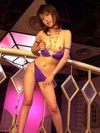 Ai Himeno teasing in sexy bikini