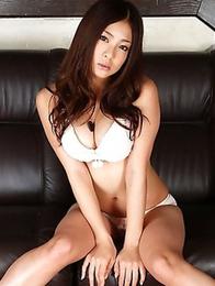 Minori Hatsune reveals her stunning naked body without shame