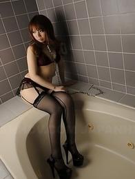 Hottie Momoko Aiuchi loves posing