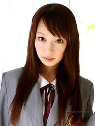Hina Kurumi is posing like a perverted businesswoman