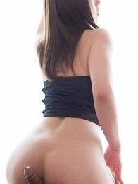 White lingerie beauty Tsubaki Katou enjoying both femdom and non-femdom foot play
