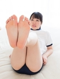 Yuka Shirayuki using her soft and big soles to make him explode all over them