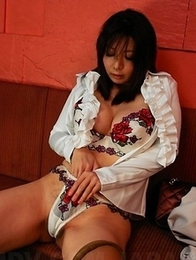 Sayuri Mikami loves to masturbate