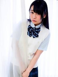 Cute japan schoolgirl Minano Ai showing her ass