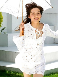 Rola Chen takes clothes off under umbrella in the park