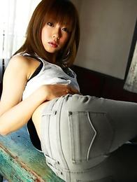 Saki Ninomiya in pink lingerie shows hot ass and sexy tummy