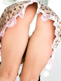 Natsuki Takahashi loves exposing her nasty bum under skirt