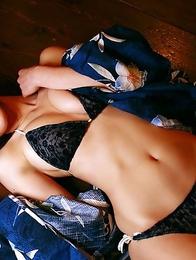 Momoko Tani exposes sexy legs under geisha dress and smiles