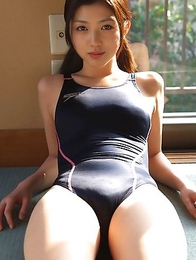 Azusa Togashi with sexy body in bath suit loves sun light