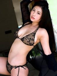 Stacked asian hottie Nonami Takizawa has deliciously big boobs in a bikini