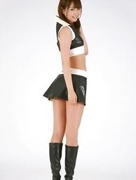 Shizuka Nakagawa in boots shows nasty butt in short skirt
